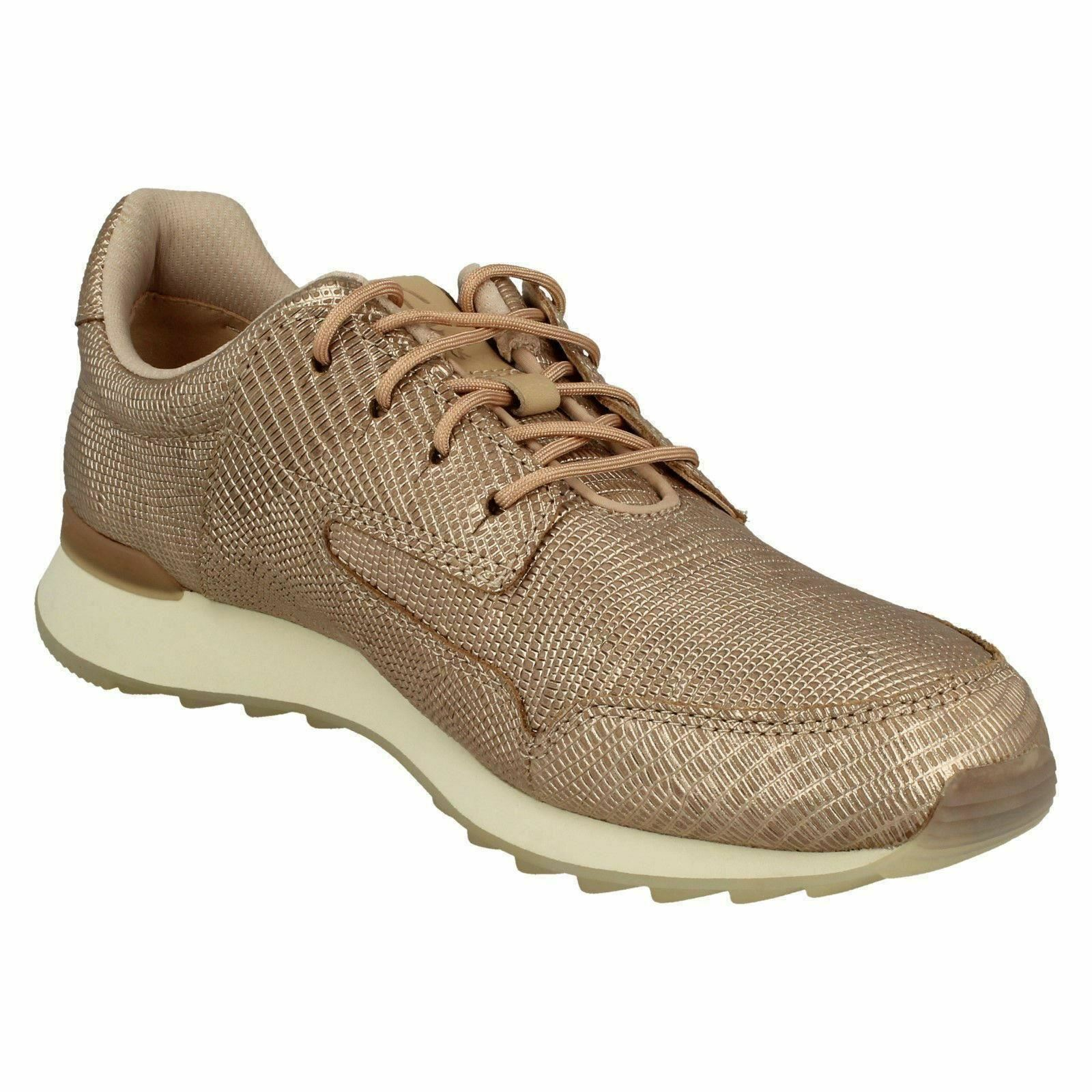 Clarks Floura Mix Casual Lace Up Trainers/Schuhes