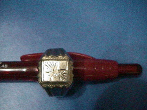Genuine 18K Beautiful Men's Ring -- Size 10 --- Pr
