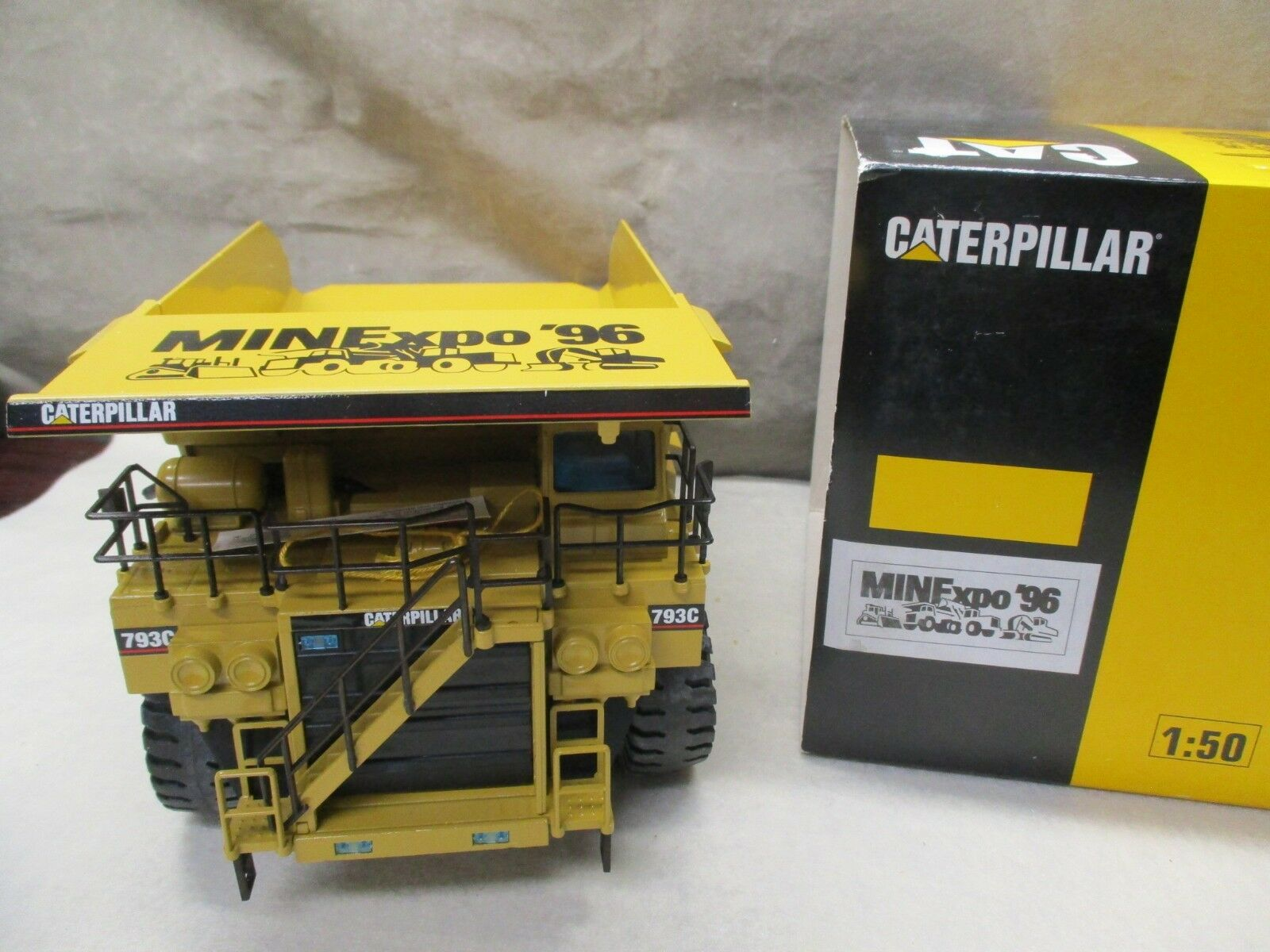 NZG CATERPILLAR  CAT 793 C Hwy CAMION  minexpo 96  Launch Edition  403 1 50 CJ180  achats en ligne de sport