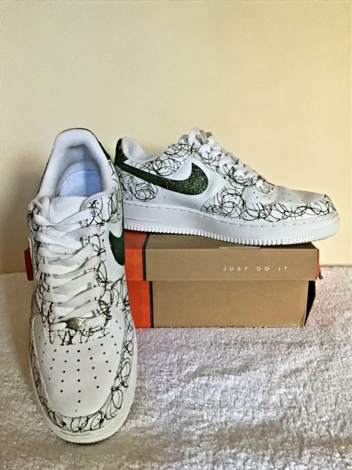 NIKE AIR FORCE ONE LOW CAMO GREEN CHECK  CAMO SPLASH TRAINERS SIZE   43