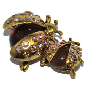Broche-fantaisie-originale-coccinelle-couleur-or-resine-marron-cristal-bijou