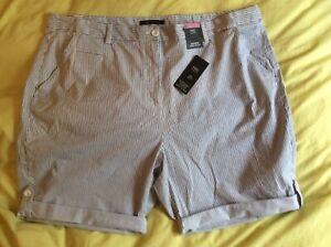 BNWT-Ladies-M-amp-S-Blue-amp-White-Cotton-Rich-Striped-Longer-Casual-Shorts-Size-22