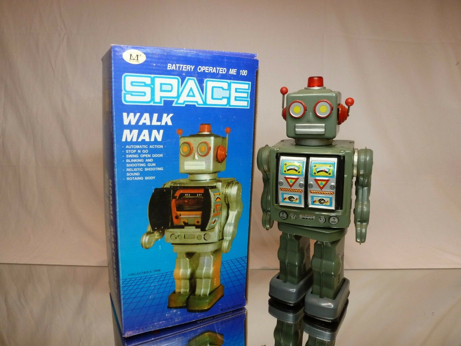 TIN TOY - ROBOT SPACE WALK MAN - battery operated - H31.0cm -  GOOD IN BOX