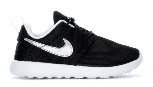 11619cbad739e Nike Little Kid s ROSHE ONE PS Shoes Black Metallic Silver White 749427-021