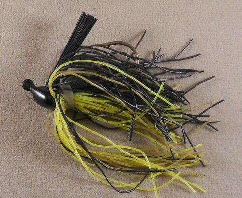 Black// Watermelon Chartreuse Fishing Lure// DR Custom Flipping Jig 3//8 oz Bass