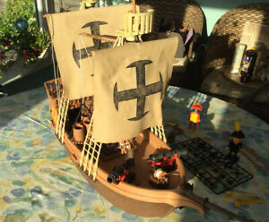 Playmobil-3550-vintage-pirates-ship-amp-figures-tres-rare-Set-annees-1970
