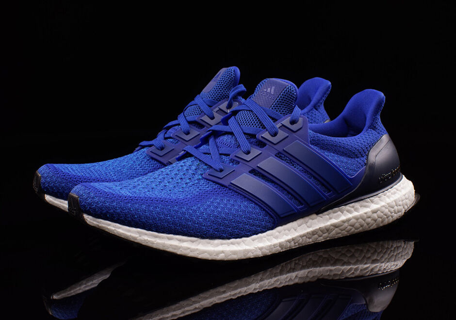 Adidas Ultra Boost M Collegiate Royal bluee Size 10.5. AQ5932 NMD Yeezy uncaged