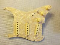 Fender Loaded Strat Pickguard Duncan SSL-5, 69, Fat 50's Cream on Aged Pearl USA