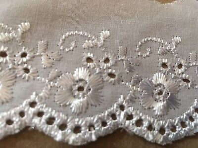 "laverslace White and Gold Eyelet Cotton Broderie Anglaise Lace Trim 2/""//5cm"