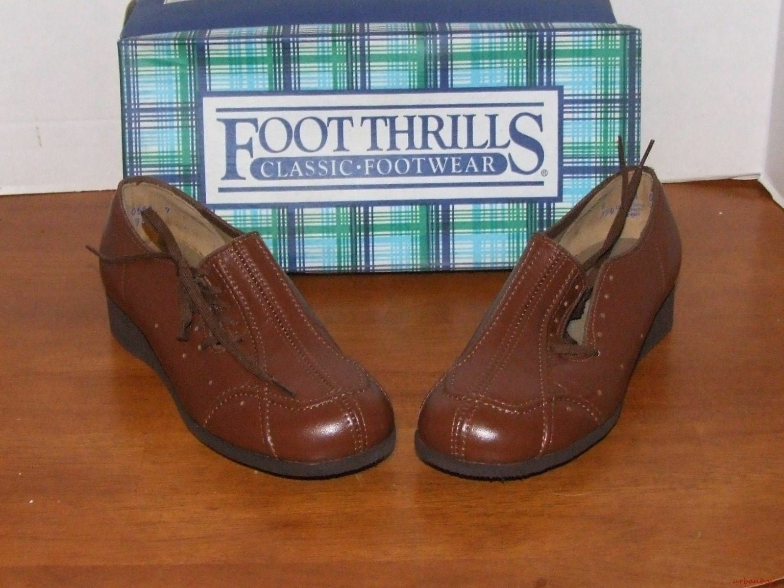 Foot Thrills by Clinic Image Brown Tie shoes