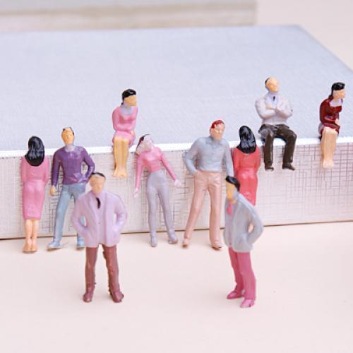 Lot 100pcs Modèle personnes Train Maquettes HO Personnages Paints 1:50