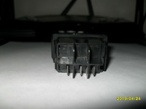 US 5105059 Rocker Switches 1327R 3 terminals. PAT