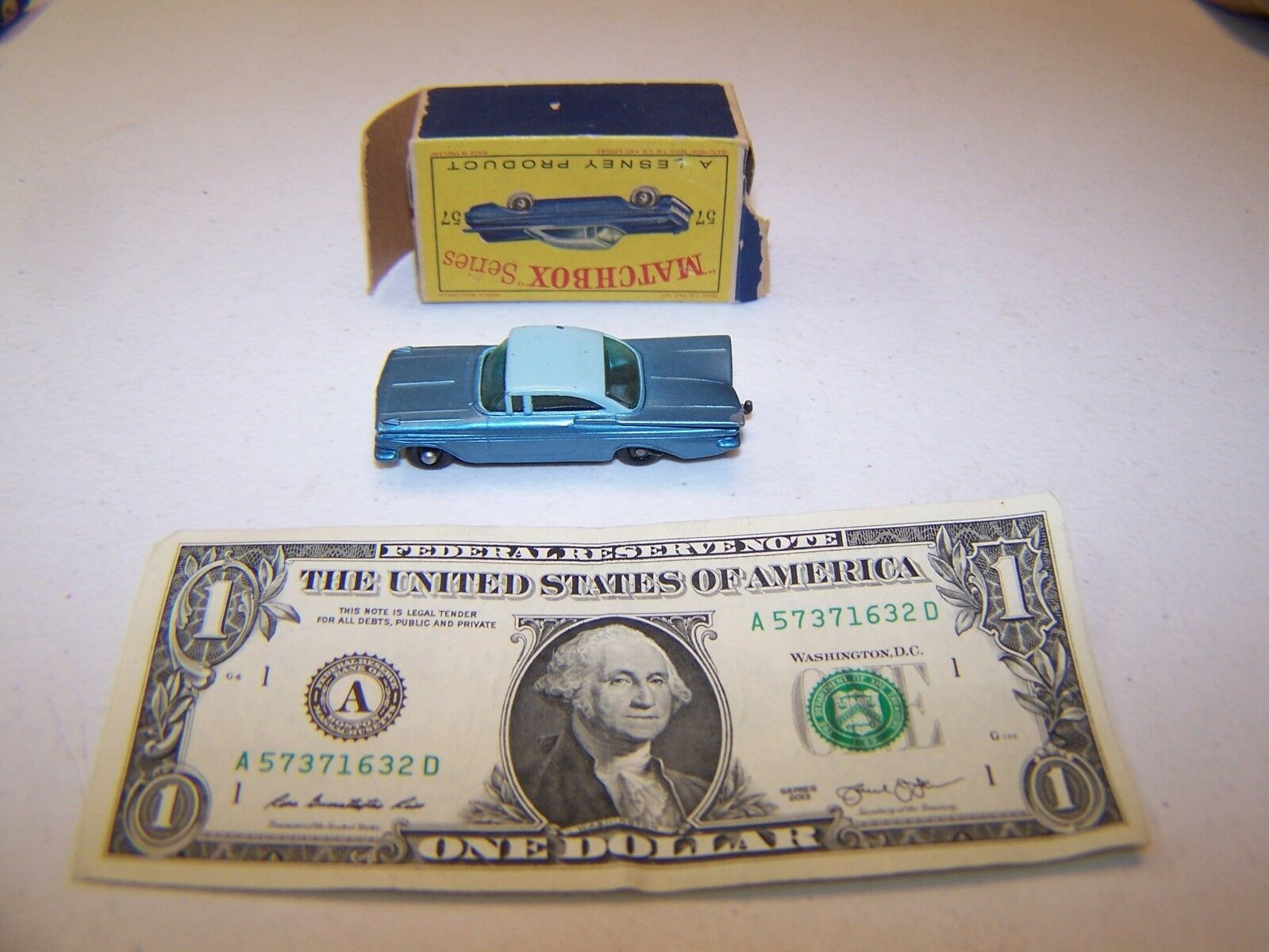 Matchbox   Lesney  - Vintage Diecast Teal Chevrolet Impala  57  authentique