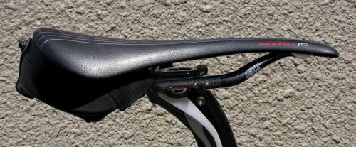 Best, Smallest Road/Mountain Bike Waterproof Wedge Saddlebag - Cyckit Aeroclam