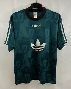 Liverpool Leisure Football Shirt 1995/96 Adults Medium Adidas A439