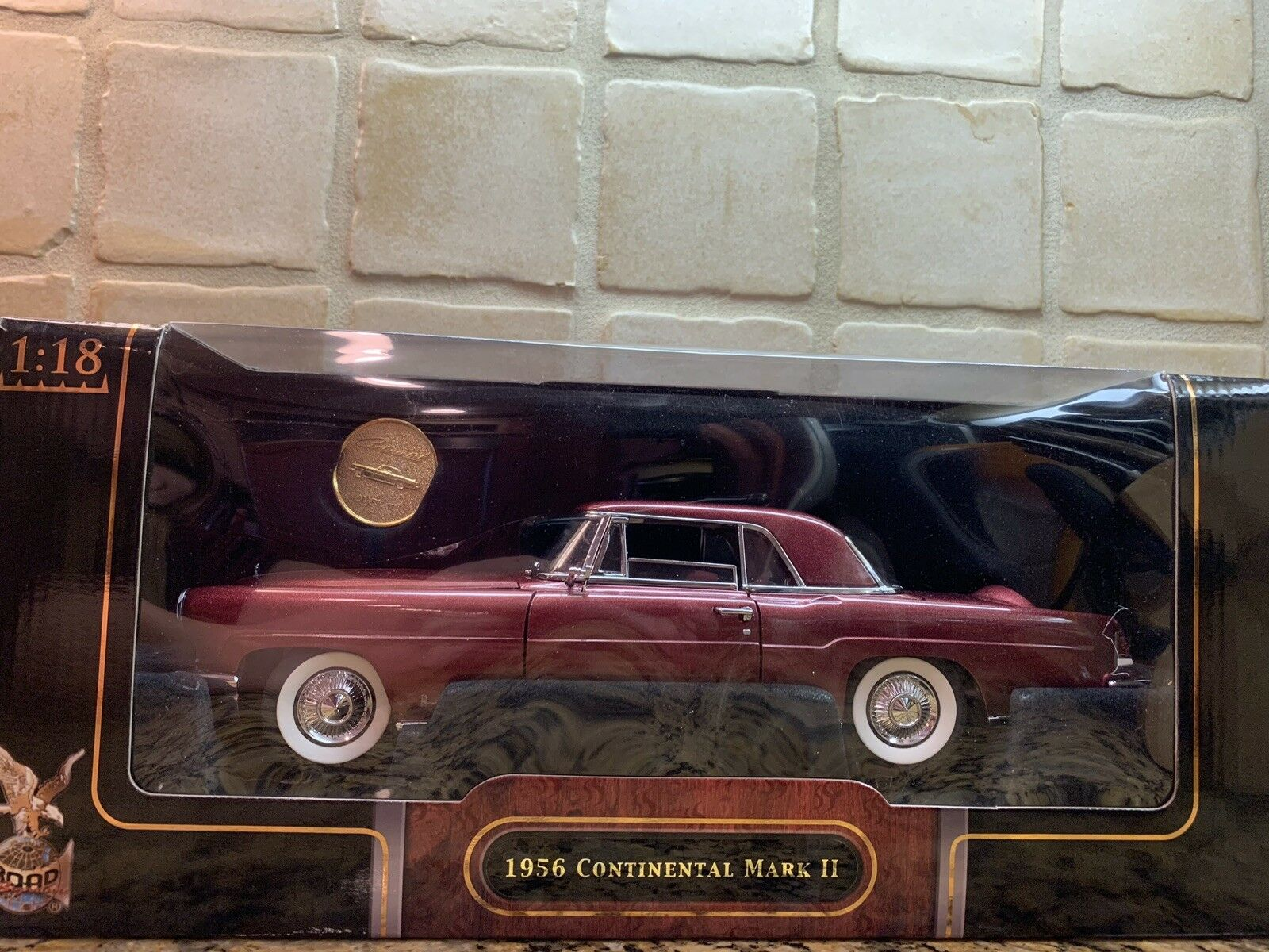 1956 Continental Mark 2   YAT MING ROAD Signature Collection   1 18 Diecast