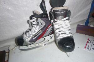Lil-Boys-Youth-Bauer-X30-Hockey-ice-skates-sz-12