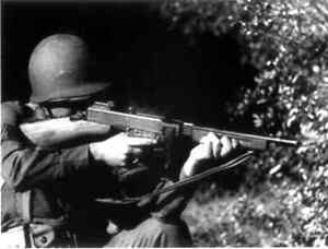 THOMPSON SUBMACHINE GUN, CAL. .45, 1928A1 WWII US ARMY TRAINING FILMS  DVD203