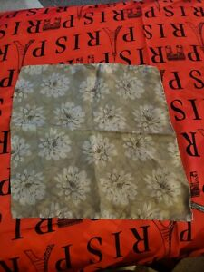 Ermenegildo-zegna-Silk-Pocket-Square-12-034-green-brown-silver-flowers-hand-rolled
