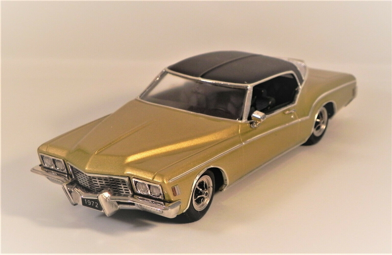 WMCE 1972 BUICK RVIERA - Gold - SPECIAL EDITION- WMCE 36
