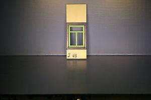 J69-1-playmobil-pieced-mur-et-fenetre-maison-3771-3988-3402-3159