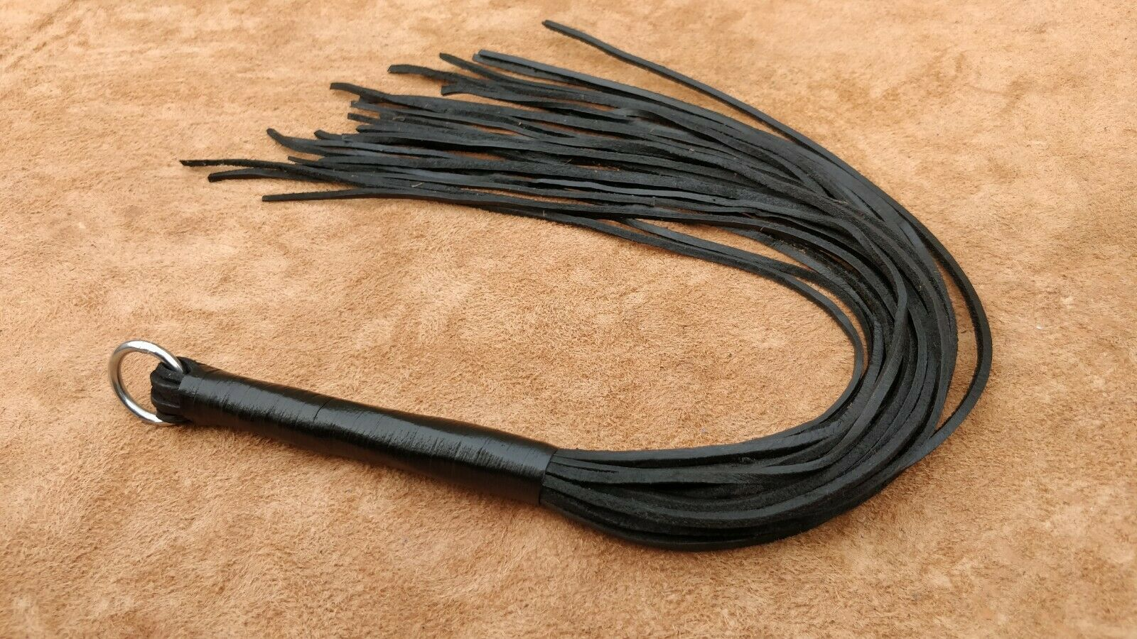 Véritable Vachette épais dur Tails Whip Leather Flogger