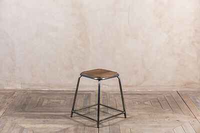 INDUSTRIAL STYLE LAB STOOLS MORE SIZES AND COLOURS LARGE QUANTITY OF BAR STOOL