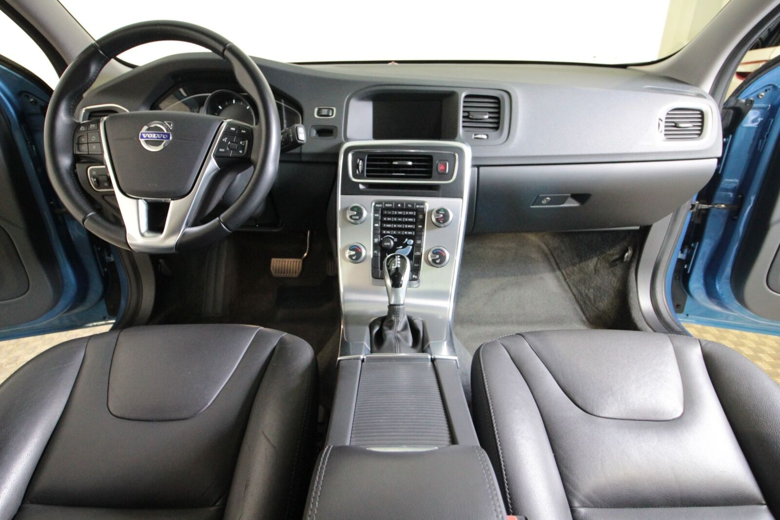 Volvo V60 D5 225 Momentum aut.