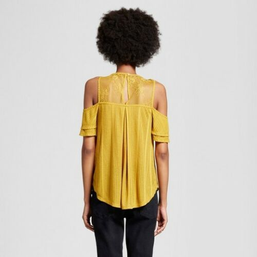 Shirt  Xhilaration Yellow Size M NEW Women/'s Cold Shoulder T