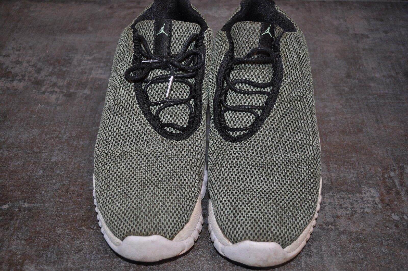 Jordan Future Niedrig Sneaker Gr 44,5 Farbe gruen/schwarz/weiss