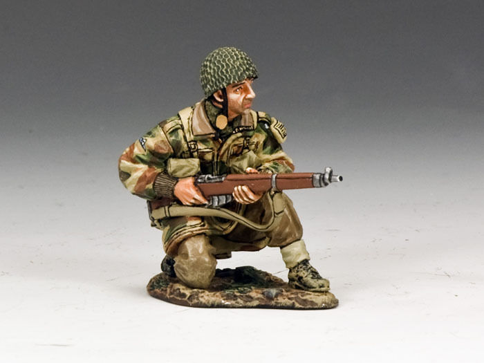 KING KING AND COUNTRY Paratrooper Kneeling with Rifle MG040(P) MG40(P)