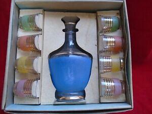 Service-a-liqueur-en-verre-carafe-et-8-verres-vere-de-Boussu-verre-vintage