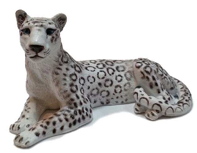 AAA 96743 Snow Leopard Lying Model Animal Toy Figurine Replica - NIP