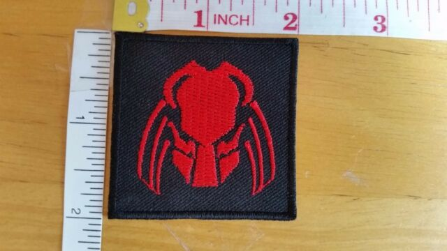 Predator red head Logo movie sci-fi Embroidered Iron on Patch Fancy Costume