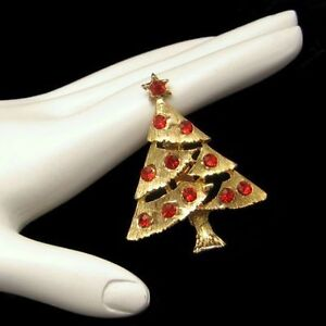 Vintage-Christmas-Tree-Brooch-Pin-Red-Rhinestones-3-D-Dimensional