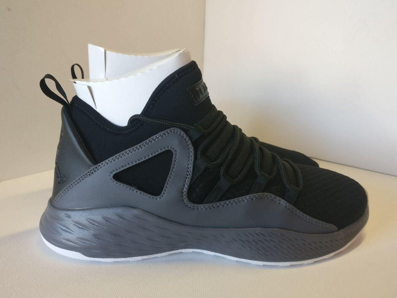 Nike Jordan Formule 23 Blanc Noir Foncé Gris Blanc 23 881465021 d98751