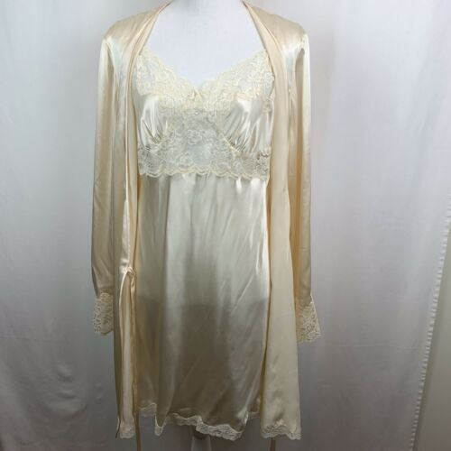 Victoria's Secret Robe Chemise Nightgown Set Silk