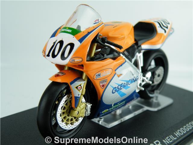 NEIL HODGSON 2001 MOTORBIKE DUCATI 966R MODEL 1 24TH SIZE IXO VERSION R0154X{ }
