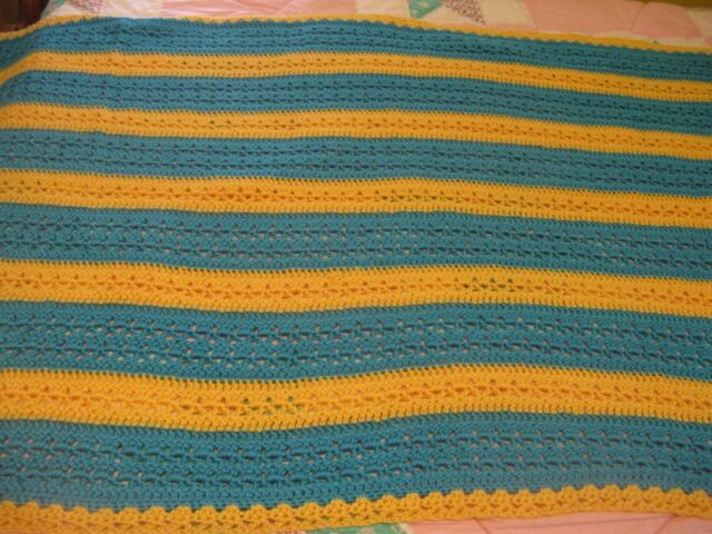 ~Beautiful Blue & Yellow Vintage Handmade Afghan Throw~