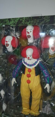 """1990 il le film NECA Ultimate Pennywise Killer Clown 7/"""" Scale Action Figure"""