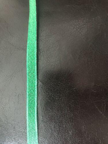 Craft Ribbon 10 mm disponible en 1 m 12 M longueurs Noir//vert à motifs de Noël