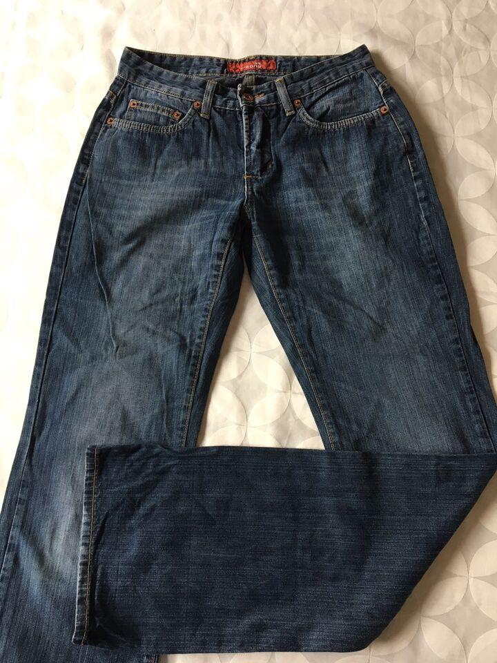 Jeans, Vero Moda & Sparkz, str. 27