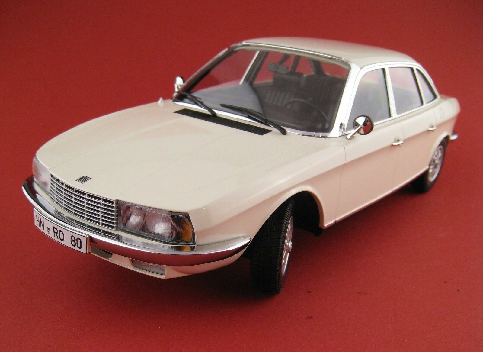 NSU Ro 80 1972 in BLANC LIMITÉE À 504  pièces Minichamps 1 18 neuf dans sa boîte NEUF  sortie de marque