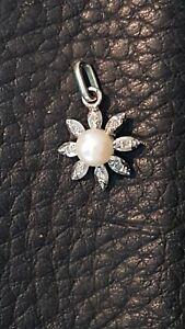 Pendentif soleil or blanc 18 carats 750 Diamants et Perle.  Gold 18 k