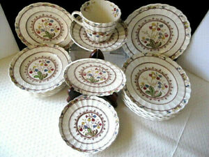 Vintage-19-pc-Copeland-Spode-034-Cowslip-034-China-England-Discontinued-Replacements