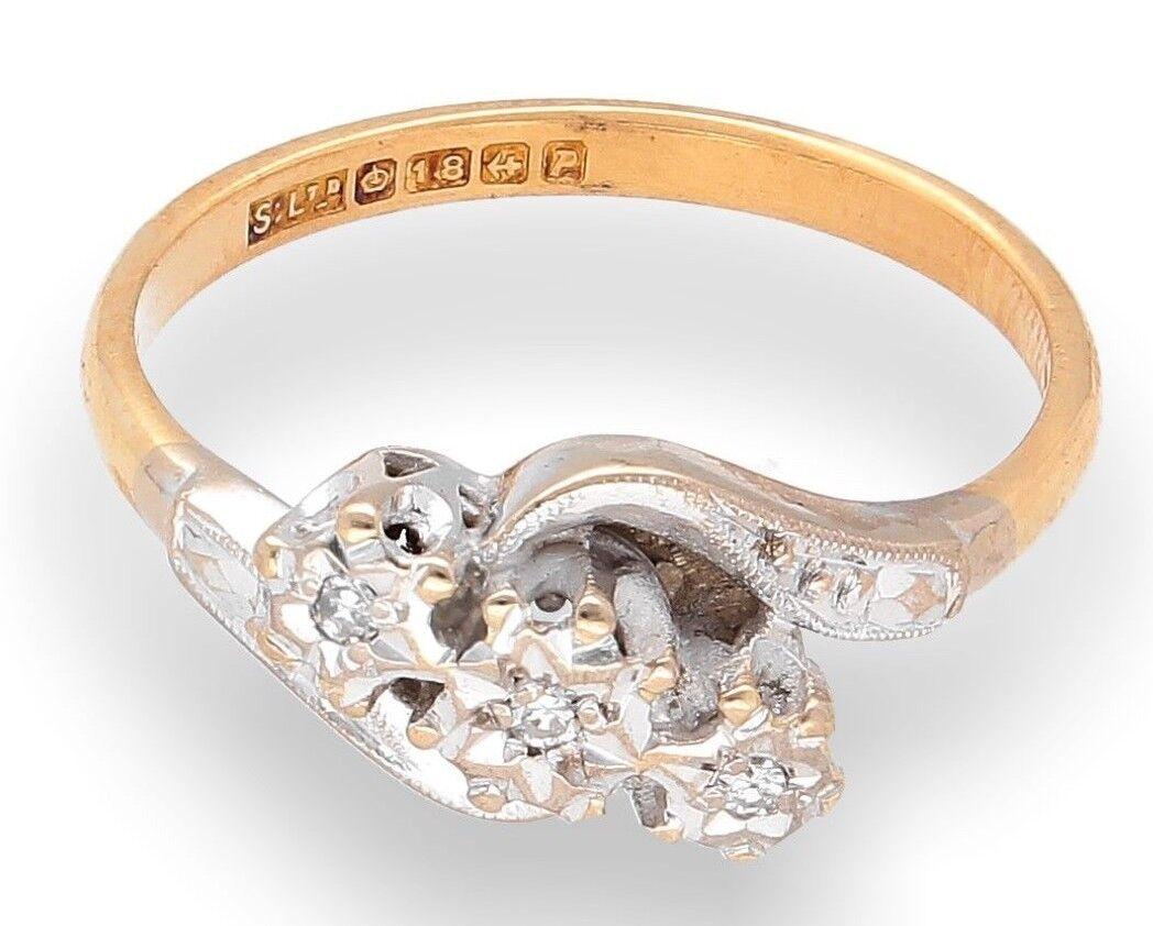 Vintage 18Carat Yellow gold 0.10ct Diamond Twisted Three-Stone Ring (Size K 1 2)