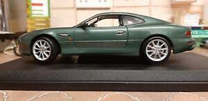 1/18 Maisto Aston Martin-afficher Le Titre D'origine Soulager La Chaleur Et La Soif.