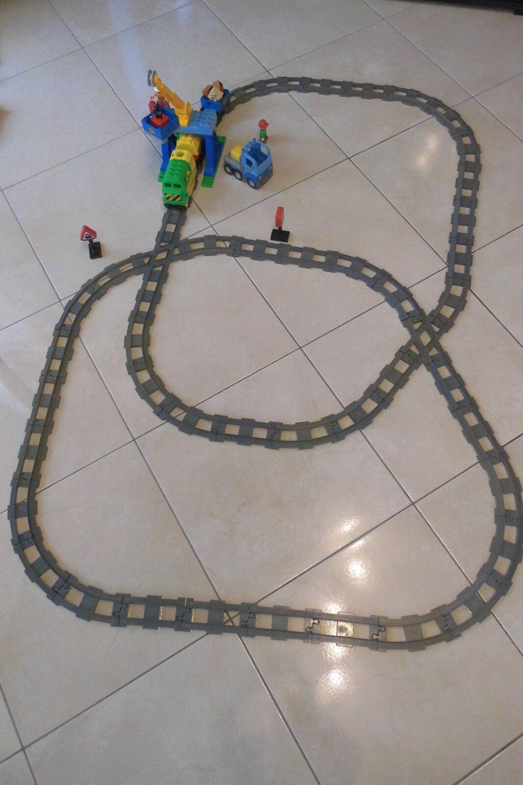 Lego Duplo Eisenbahn-Set mit Zubehör