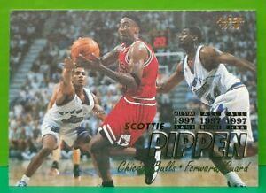Scottie Pippen regular card 1997-98 Fleer #261