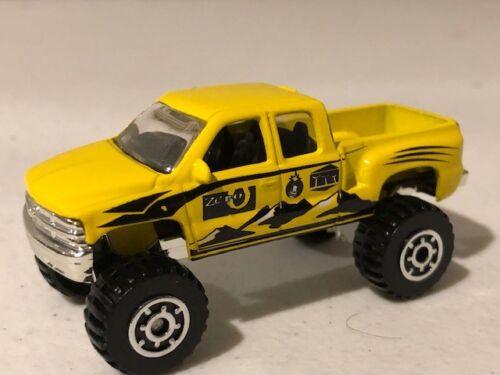 RARE loose 1//64 Yellow Matchbox 1999 Chevy Silverado 4x4